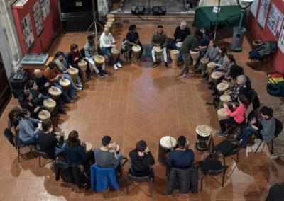 20200229_164522-Ph-Salvo-Gravano-Percussionando-cerchio-di-tamburi-dallalto-1-1