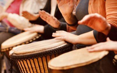 Vuoi scaricare le tensioni a suon di ritmo? Partecipa al drum circle con l'esperta Lucina Lanzara!